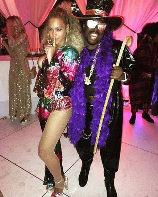 Beyoncé comemora seus 35 anos com festa inspirada no Soul Train    Queen B comemora seus 35 anos em grande estilo. A roupa de Beyoncé era cheia de paetes e ela estava linda e brilhante como uma verdadeira rainha. A lista de convidados foi repleta de amigos compareceram na festa asex-companheiras de Destiny's ChildKelly RowlandeMichelle Williams sua irmãSolange KnowlesSean Diddy CombsJourdan DunnAlicia KeysKendrickLamarJoan SmallsSerena WilliamsUsher entre outros.Essa festa está melhor que as…