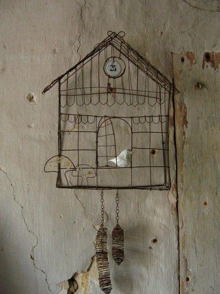 Maison d'oiseau en fil de fer. Boutique Etsy franзaise... $190.00 #Etsy #Debeauxsouvenirs: