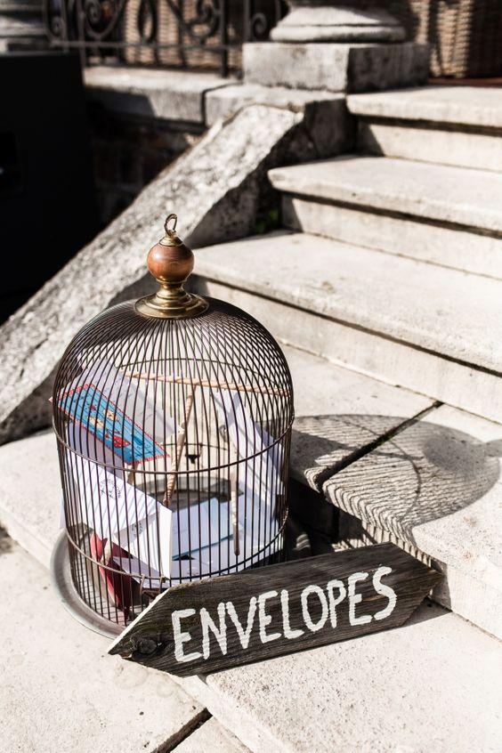 Wedding presents envelopes cage deco  De leukste bordjes van 2013 | ThePerfectWedding.nl