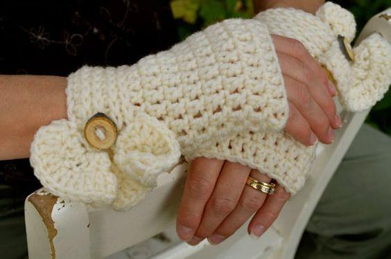 Divine Ruffle Fingerless gloves by Twistyourtop on Etsy, $25.00