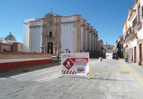 Repara SINFRA vialidades de Zacatecas, Guadalupe y Fresnillo dañadas por las lluvias -  http://bit.ly/HOxkp7 -