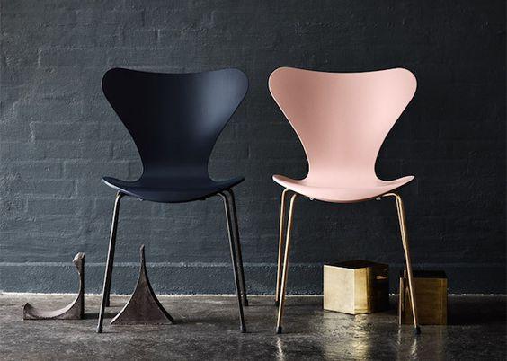 Living Design - Cadeira Series 7, de Arne Jacobsen, 1955, folheada de ouro, by Knoll