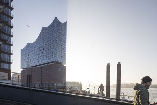 Gallery Of See How Herzog De Meuron S Elbphilharmonie Hamburg Sits In Its Context 34 In 2020 Elbphilharmonie Hamburg Architecture Photography Herzog