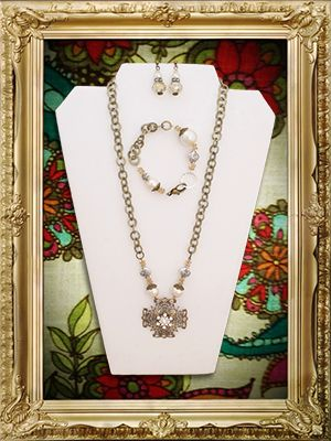 Scooples Jewelry  - Love this vintage line!