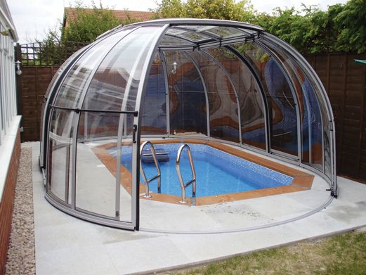 Easily transportable pool enclosures