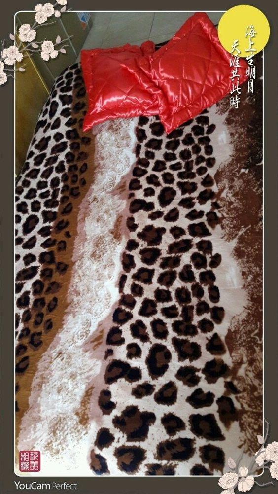 ¡Mirá nuestro nuevo producto Frazada manta polar ! Si te gusta podés ayudarnos pinéandolo en alguno de tus tableros :)