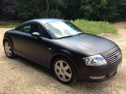matte black audi tt 2000 audi tt base coupe 2 door no reserve flat black on 2040cars. Black Bedroom Furniture Sets. Home Design Ideas