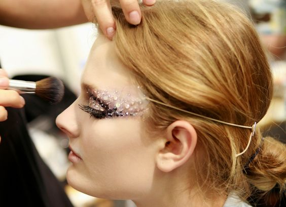 maquiagem com pedrinhas - Pesquisa Google