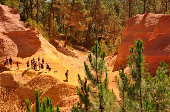 Trail of the Ocre to #Roussillon, @EnricoBalbo #paesaggisurreali
