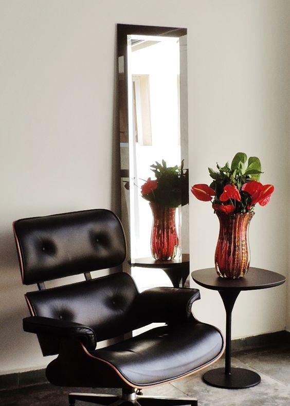 Espelho decorativo com bisotê, com borda em vidro serigrafado preto 0.45 x 1.80m