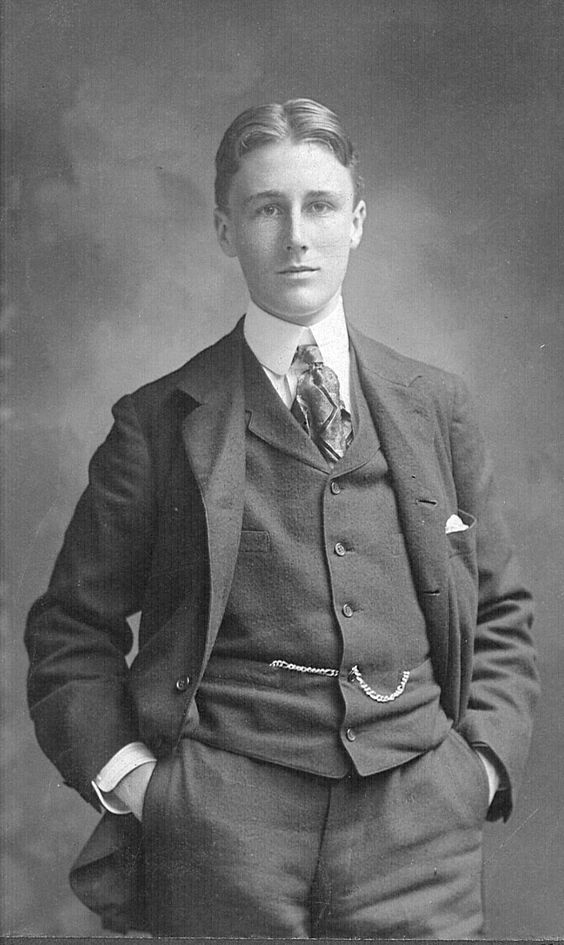 Franklin Delano Roosevelt at 18, 1900. Not only was he responsible for Social Security and leading America through the Great Depression and WWII, he was a stone cold fox.