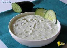 Tzatziki - ricetta della salsa greca a base di yogurt cetrioli e aglio per accompagnare carne e pesce alla griglia o da spalmare sul pane o sulla pita