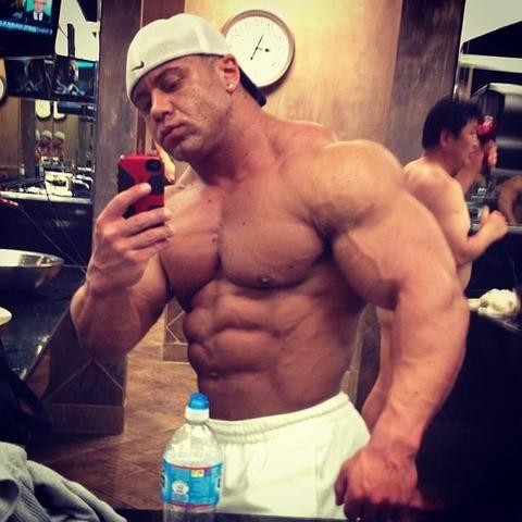 muscle selfie: