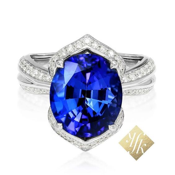 At KAT FLORENCE, we're committed to obtaining precious metals and gemstones in ways that are socially and environmentally responsible, allowing the beauty of the stones to truly shine. #Tanzanite #KATFLORENCE #Blue #natural #DFlawless #diamonds