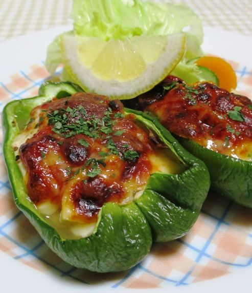 おうちで楽しむ簡単レシピ ピーマンの豆腐詰めチーズ焼き<ヘルシー♪>