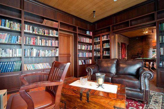 Unelmien kirjasto-/työhuone