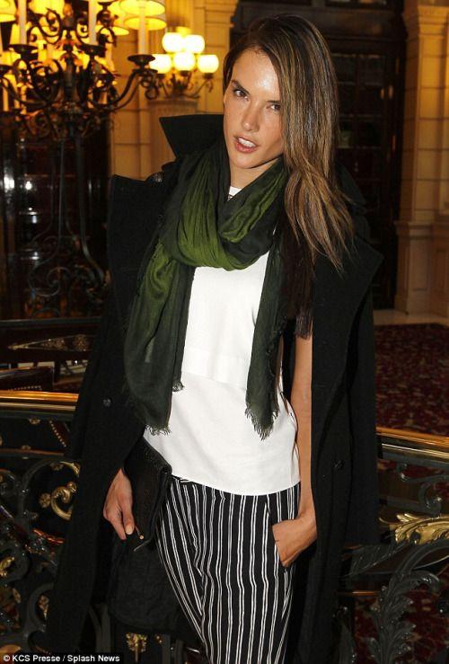 Alessandra Ambrosio, scarf: