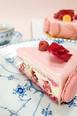 Inspired to make my own version of this beauty. raspberry macaron cake: