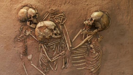 A tiny woman and two children were laid to rest on a bed of flowers and hands intertwined 5,000 years ago in Sahara Desert.