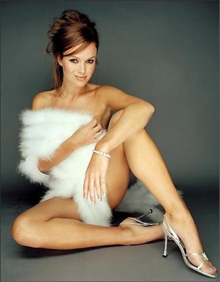 Amanda Louise Holden Nudes 56