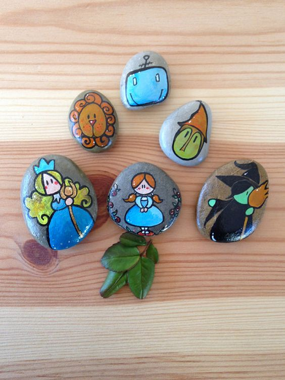 Story stones The Wizard of OZ / Handpainted natural creative gift for kids of…