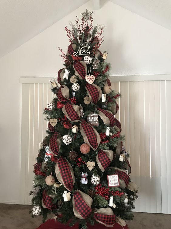 120 Best Christmas Tree Decorating Ideas That You D Have To Take Inspiration From Ribbon On Christmas Tree Burlap Christmas Tree Cool Christmas Trees