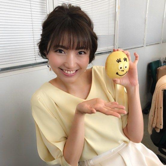カンニング竹山さんからドーナツをもらった三田友梨佳アナの画像