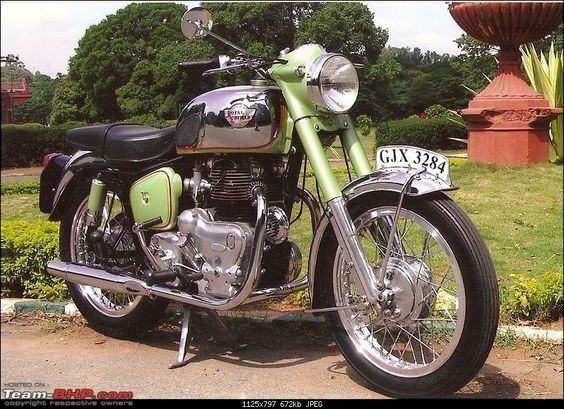Royal Enfield Constellation RE700