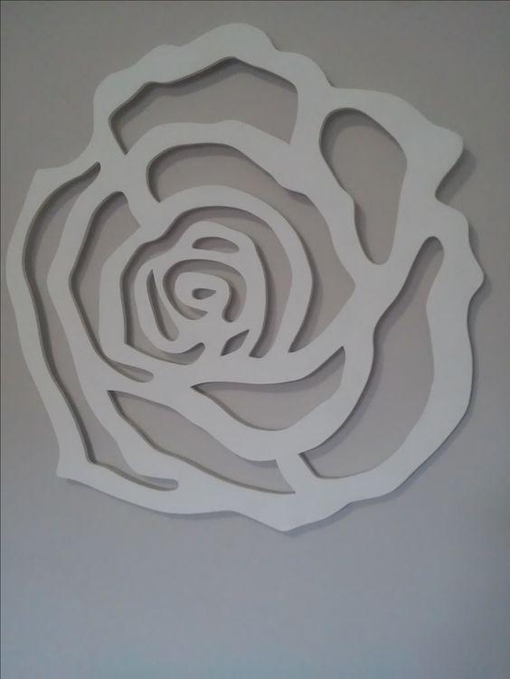 Rosa em mdf. Fácil de fazer e fica linda! Amo minha rosa branca! ❤