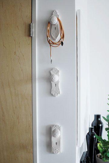 Old door knobs -> fancy hooks