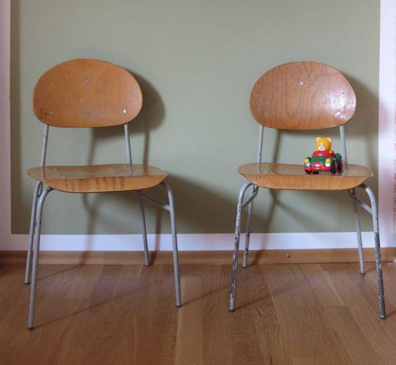 Vintage  2 Schulstühle 1960er Kinderstuhl Metall von mlovesvintage