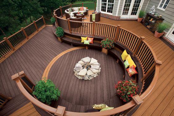 Curvilinear deck