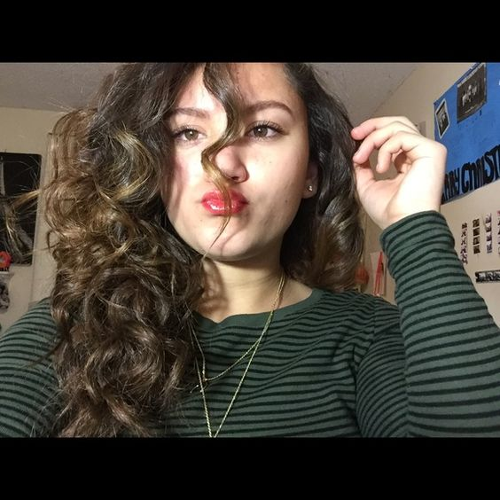 Meet your Posher, Rosa Hi! I'm Rosa. Some of my favorite brands are Nike, PINK Victoria's Secret, Adidas, The North Face, and CHANEL. Thanks for stopping by! Feel free to leave me a comment so that I can check out your closet too. :) Meet the Posher Other