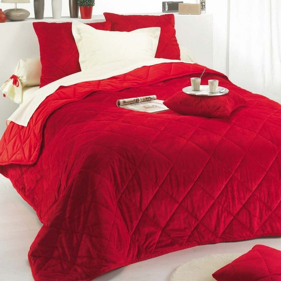 couvre lit matelass boutis pas cher mod le de luxe couvre lit jet de lit tentures. Black Bedroom Furniture Sets. Home Design Ideas