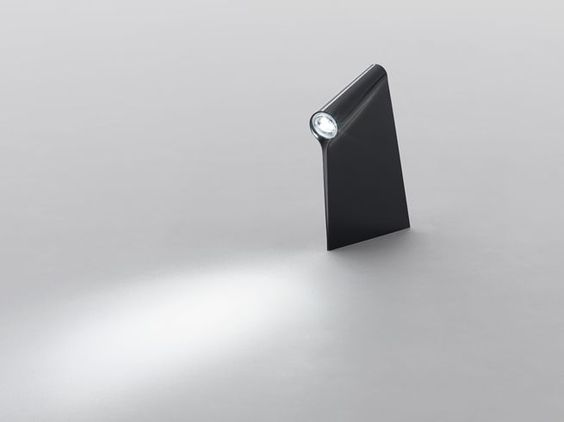 一枚のアクリル板で光を「覆う」  nendo | hood for Established & Sons nendo: Lamp ...
