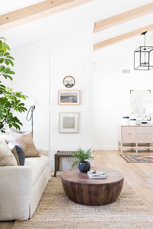 Easy Ways To Decorate In A Modern Coastal Style Coastal Living Rooms Living Room Designs Home Decor