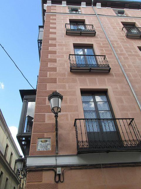 Calle del Conde de Lemos, Centro. Madrid by voces, via Flickr