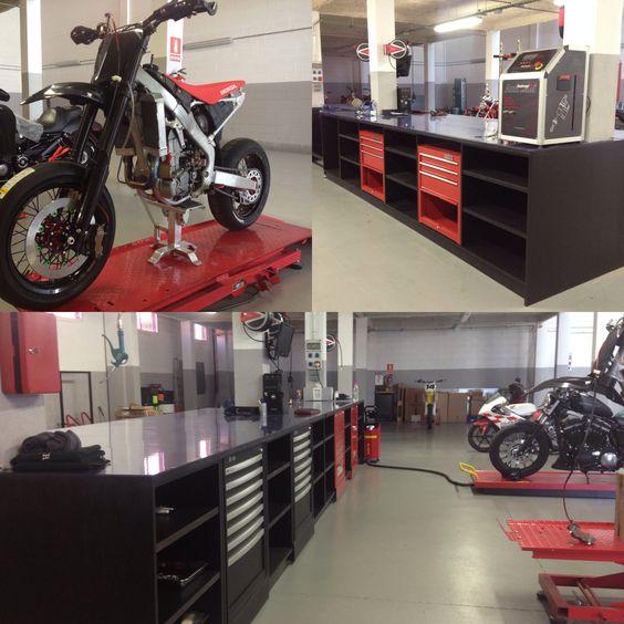 Fgmotoworks workshop ufficina taller racing for Custom garage workshop