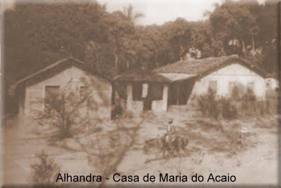 Não se sabe exatamente a data do nascimento de Zé Pelintra. A história conta que ele viveu nos séculos XVIII e XIX. Na época da chegada na família real ela era um rapaz saindo da adolescencia.  Seu corpo foi sepultado no antigo e extinto cemitério de Afogados da Ingazeira, a duzentos quilômetros de Recife-Pe.