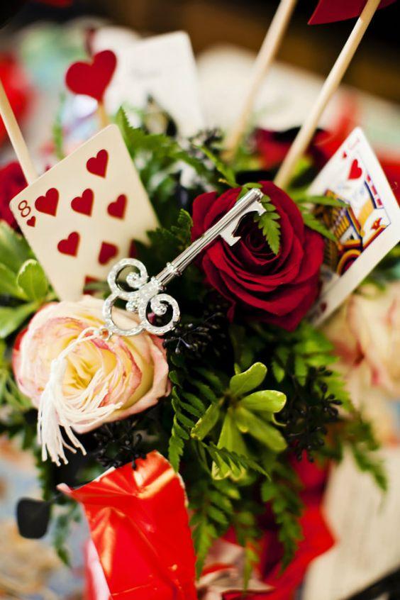 queen of hearts arrangement