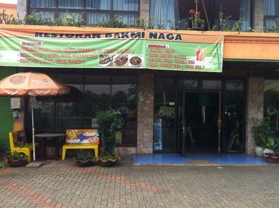 Restoran Bakmi Naga, Pamulang, Tangerang Selatan, Banten