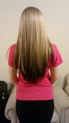 Top Half Brown Bottom Half Blonde Haircolorauburn Blonde Hair With Brown Underneath Hair Styles Balayage Hair