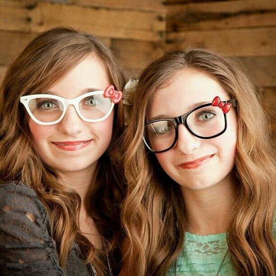 Nerd glasses brooklyn and bailey mcknight pinterest for Models brooklyn