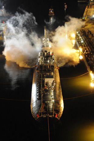 Worker set fire on U.S. nuclear submarine because he wanted to go home early: courtdocuments