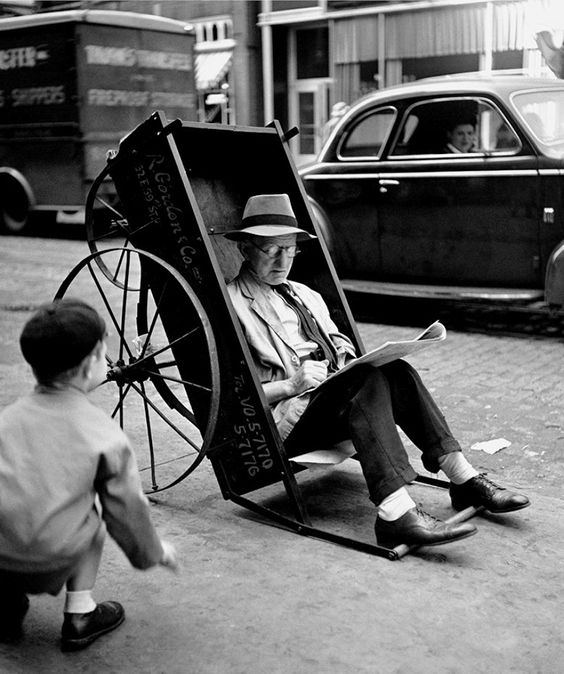 31 Amazing Black and White Photographs Documented New York City's Street Life in the 1940s: