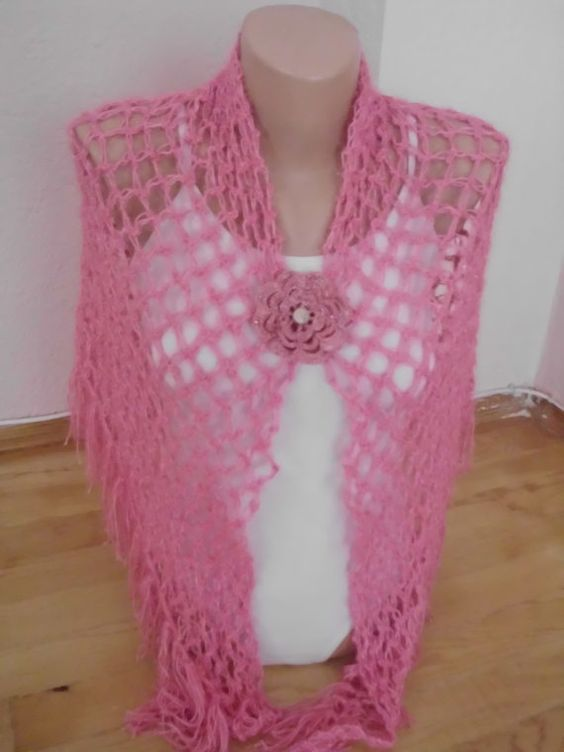 ONSALEPink spider triangle shawl/Wedding by redrosewholesaler, $42.00