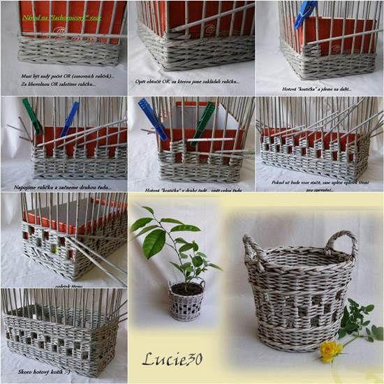 cesta con papel de periodico: