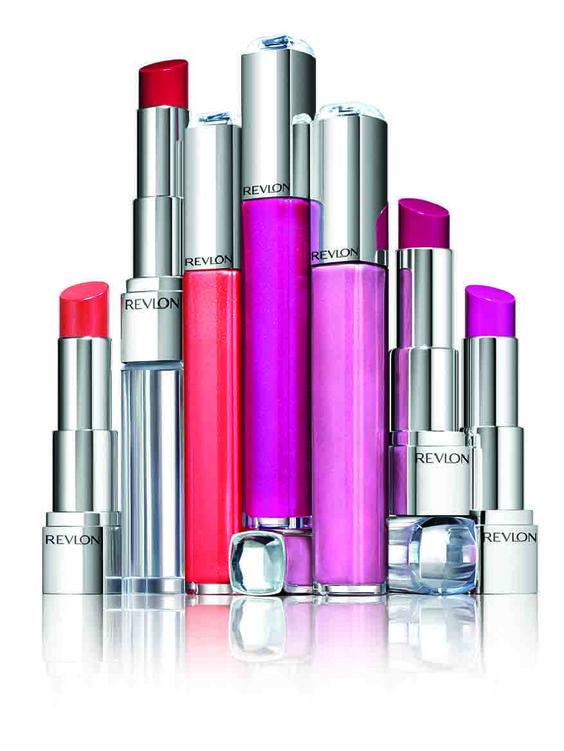 Labios ULTRA HD con dos nuevas opciones de #REVLON. Enterate en #FashionFan porqué vas a amar a los nuevos LIPSTICK y LIP LACQUER, para labios que quieren ser protagonistas http://bit.ly/ZH9YmW #makeup #beautyblogger