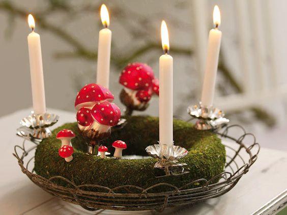 Weihnachtskranz Gras rote Schleife Kunstblumen