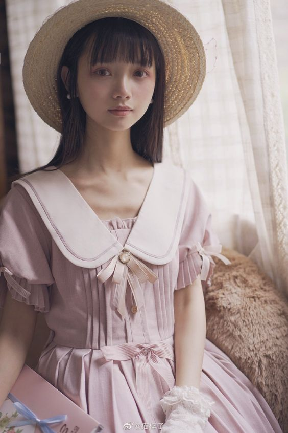 大眼 瀏海 美少女 眼神含情脈脈》#Cute #Girl #Pretty #Girls #漂亮 #可愛 #青春活力